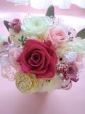 プリザーブドフラワー母の日 結婚祝い等に最適なフランス製高級リボンとレースのリボンで清楚なピンクパールホワイトアンジュ