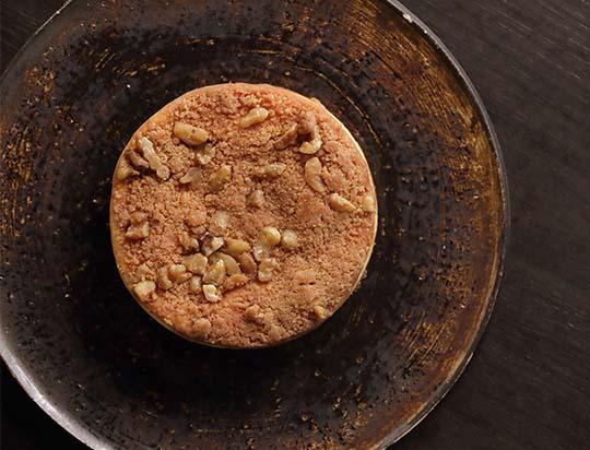 シナモンクランブルクッキーと国産林檎たっぷりのチーズケーキ