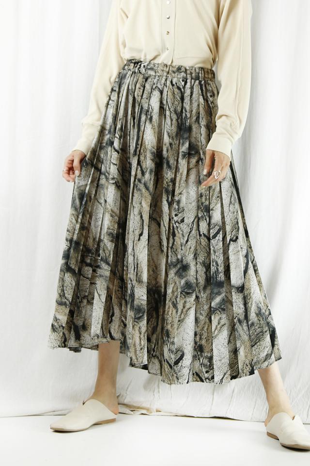 CHIGNON(シニヨン) 柄ランダムプリーツスカート  2212-274PT