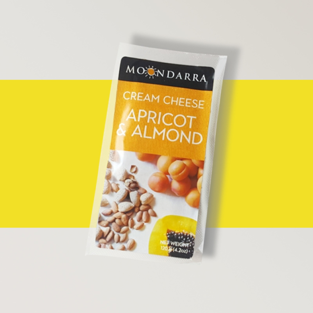 ムーンダラアプリコット&アーモンドクリームチーズ