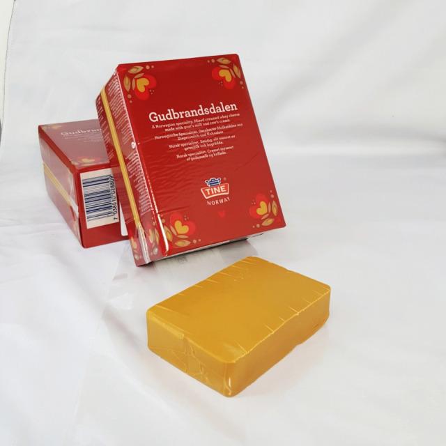 ゴート スキクィーン キャラメル味 茶色いチーズ  ノルウェー産