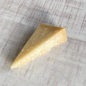 パルミジャーノ36ヶ月熟成 粉チーズ パスタ サラダ レッジャーノ