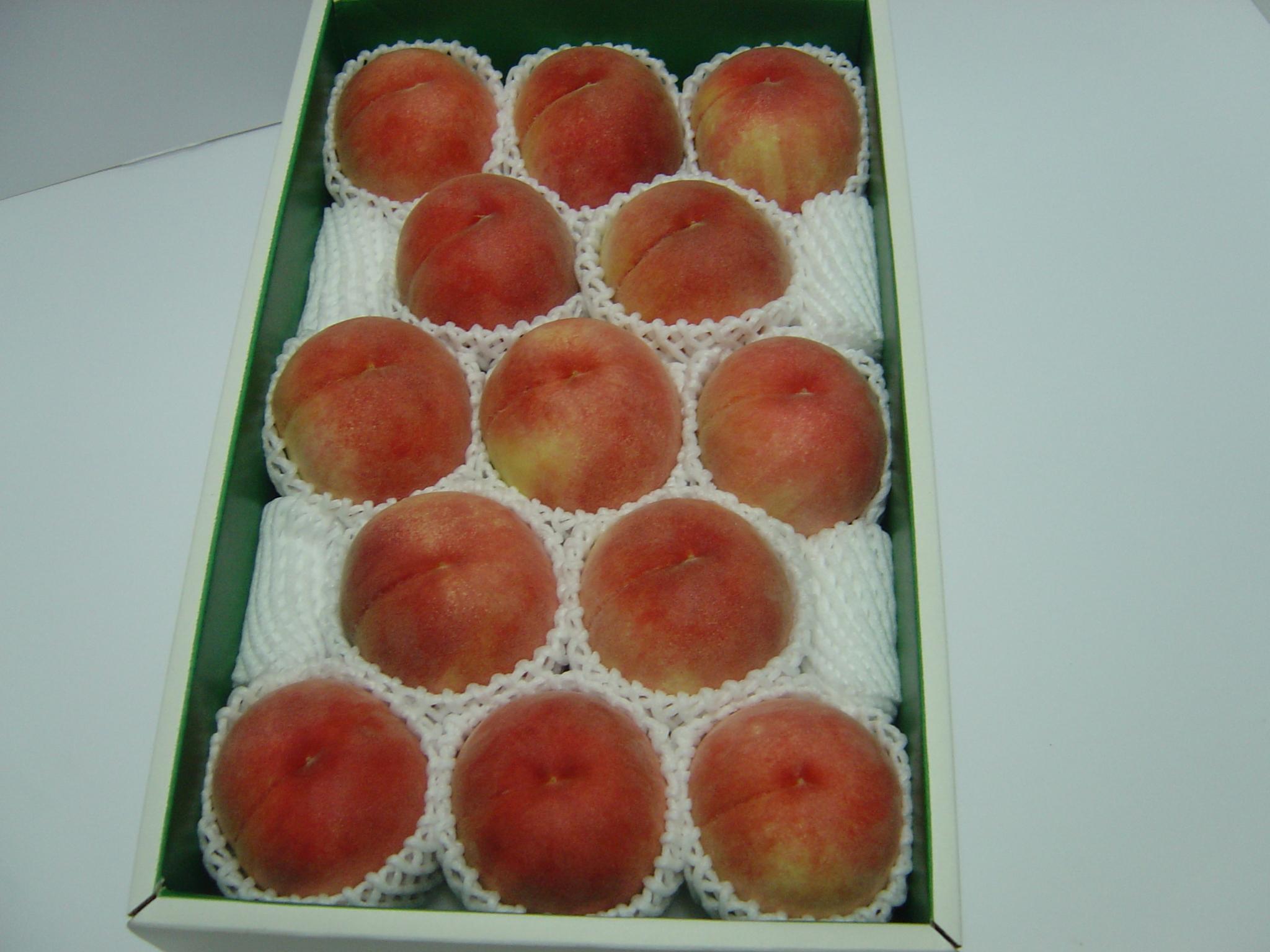 特選品 中玉 白鳳 大箱(約4kg)