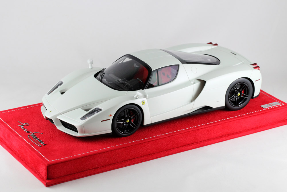MR collection 1/18 Ferrari Enzo Matt Pearl White
