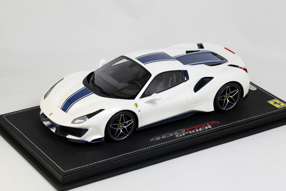 BBR P18163AV 1/18 Ferrari 488 PISTA Spider Roof closed Bianco Italia Limited 28pcs (ケース付)