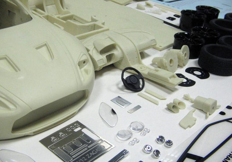 TECNOモデル 1/18キット アストンマーティン V12 Zagato