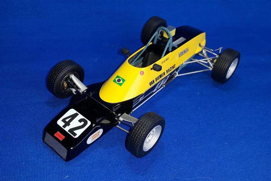 Neko Models FK2009A 1/20 Formula Ford 1600 Van Diemen RF81 A.Senna