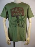 送料無料!!【JUNK FOOD】 ジャンクフード Tシャツ KEEP ON THE GRASS メンズ 半袖 J2274
