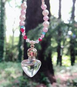 愛LOVEの妖精のヒーリングアロマ香水(ローズの香り、ハート型の瓶、スワロフスキーチャーム付き)