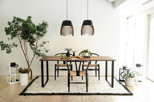 鉄足テーブル
