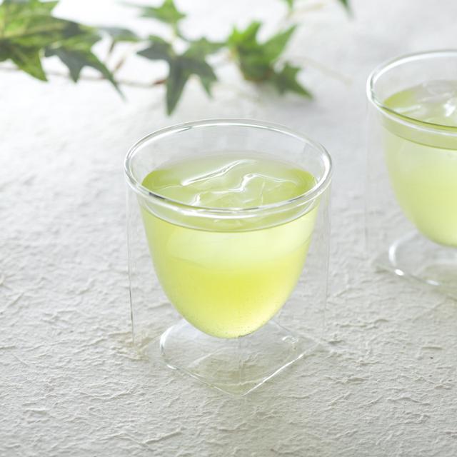 ダブルウォールグラスRayESレイエスの緑茶冷茶