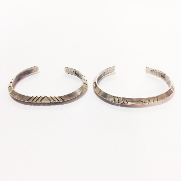 NORTHWORKS/ノースワークス/Stamped Triangle Bangle. [W011]