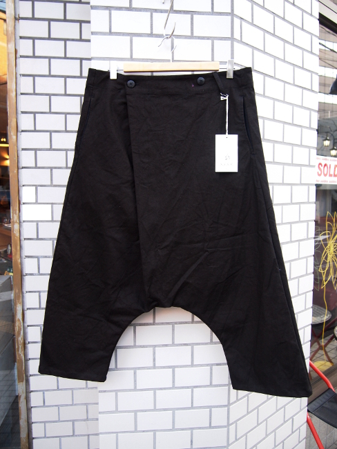 【SALE/セール/30%OFF】[送料無料]SANGUE SACRO SULLE ROSE/HERRIN TROUSERS BLACK. [33-171-0004]