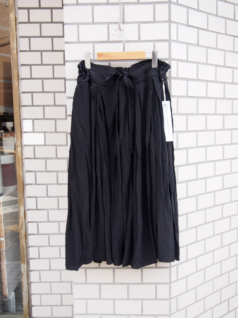 [セール/SALE/30%OFF][送料無料]FORME D' EXPRESSION/PLEATED DIRMDLE SKIRT.  [43-171-0007]