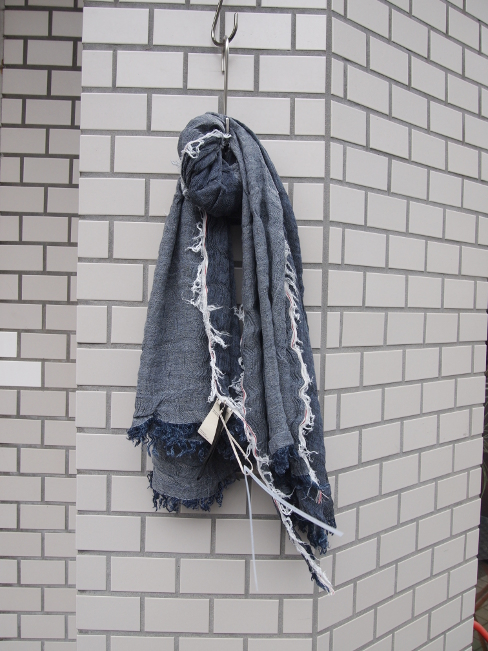 FORME D' EXPRESSION/DENIM SCARF.  [38-171-0001]
