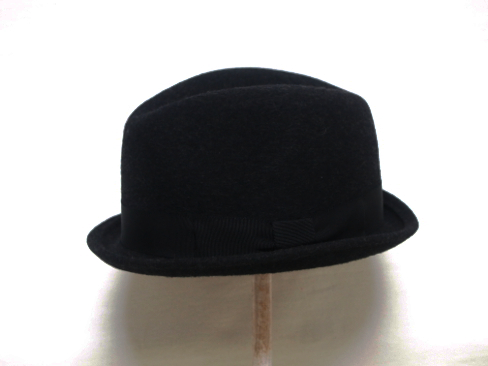 Anthony Peto/PAOLO HAT. [48-172-0002]