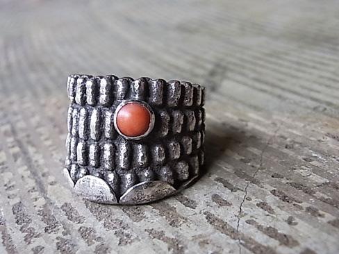 ≪1点もの≫[送料無料]ANTHONY LOVATO/アンソニーロヴァート/Cast Corn Ring with Coral.