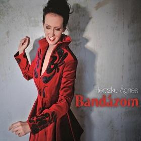 Herczku Agnes / Bandazom