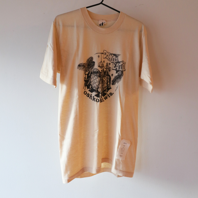 Down to EARTH Tシャツ クリーム