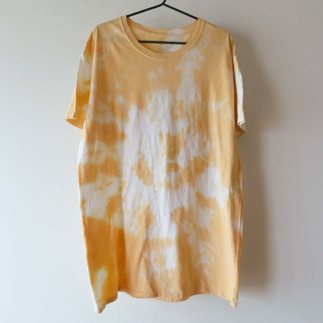 Yellow Tone Tie dye Tシャツ