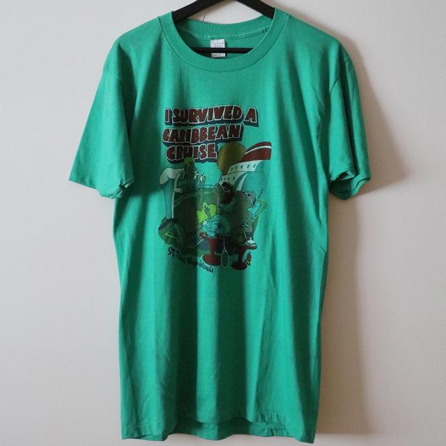 グラフィック柄プリントTシャツ