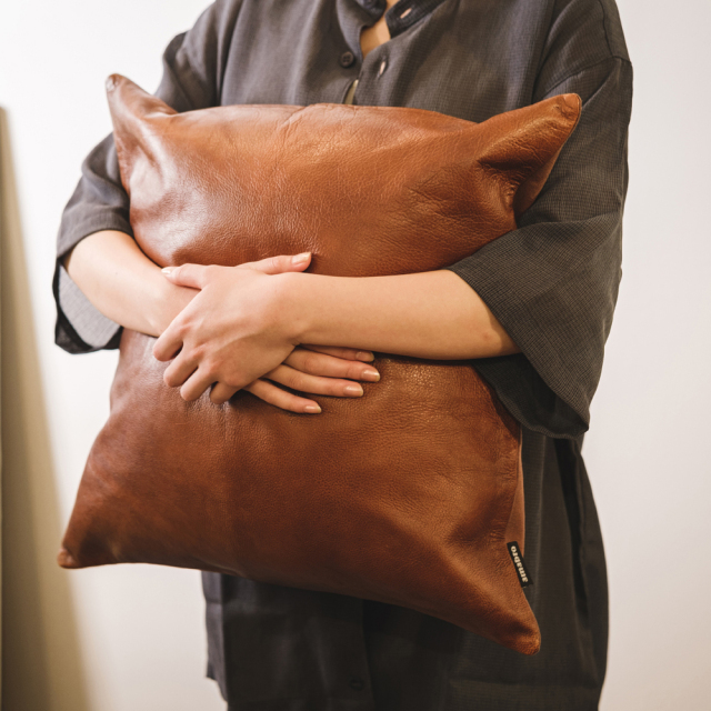 LEATHER CUSHION COVER / Brown 45×45