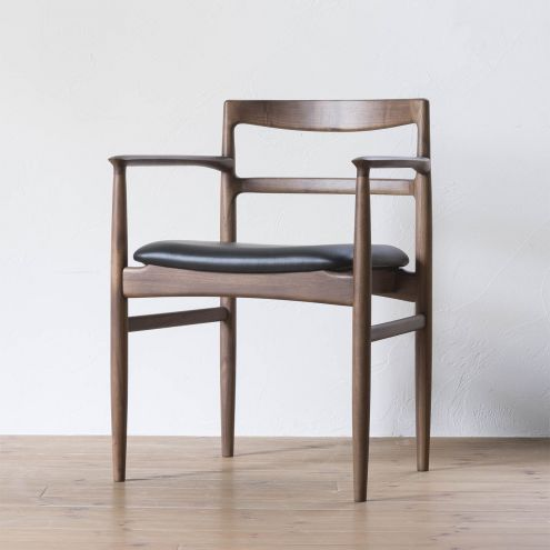 ROUNE arm chair / ラウン アームチェア (ウォールナット)