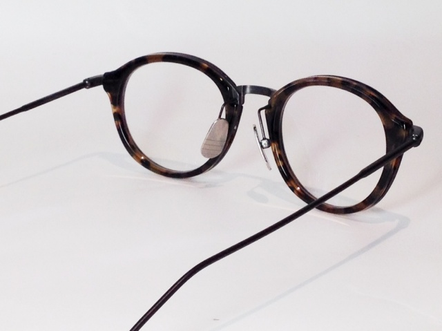 c4f64356ebce  送料無料  THOM BROWNE(トム ブラウン) TB-011D-46 ( TOKYO TORTOISE with BROWN  CLISTALINE BLACK IRON BRIDGE and TEMPLES )