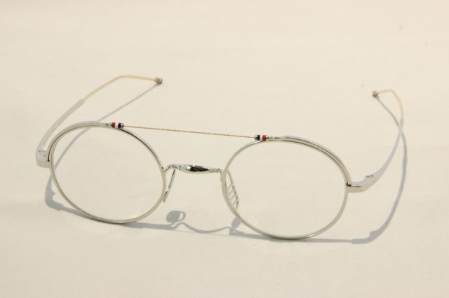 THOM BROWNE(トム ブラウン)TBX-910-41-02  ( Silver-White Gold )