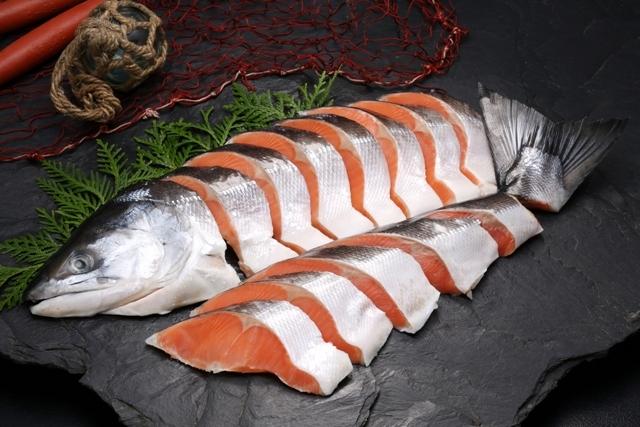 船上活〆時鮭姿切身-C1尾4分割1.8kg