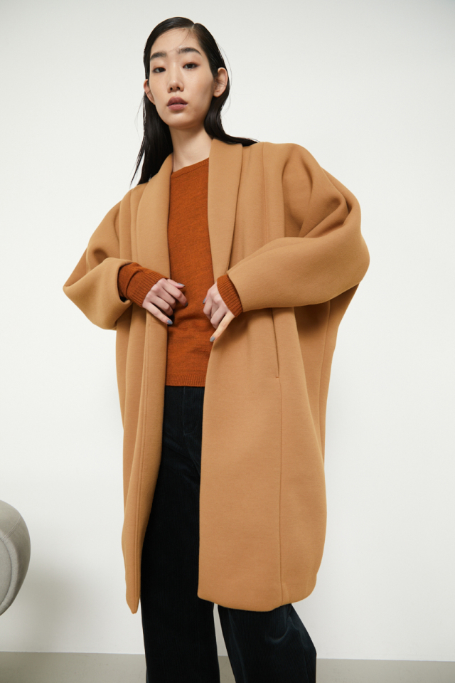 Useful cocoon coat