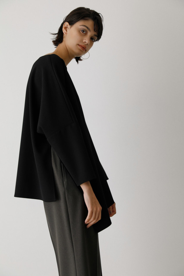Asymmetry hem line tops