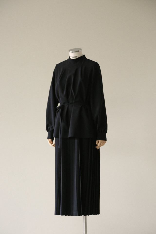 Long layered pleats OP