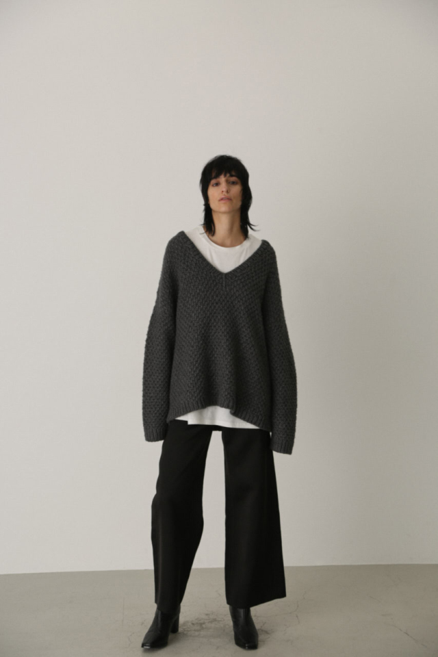 9/18- order start Vneck relax knit tops