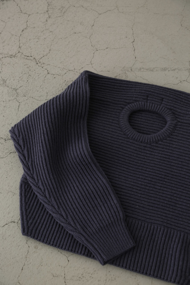 Back volume knit