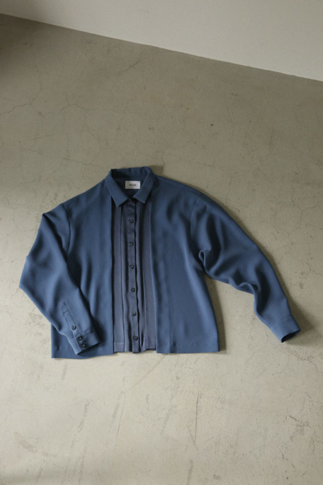 Tuck detail soft shirt