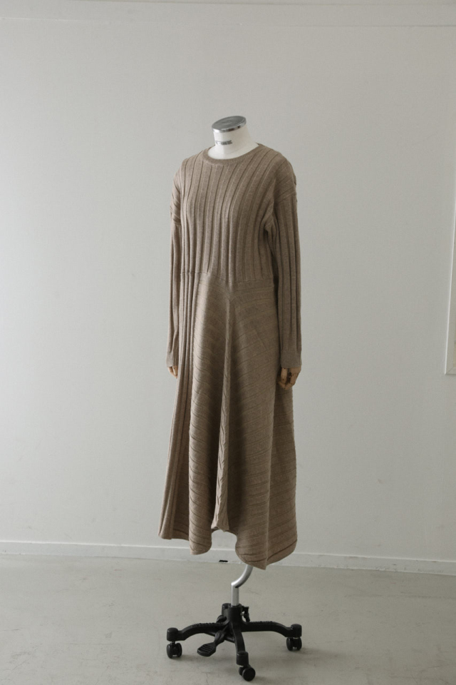 Asymmetry knit OP