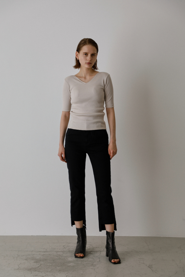 Hem asymmetry denim