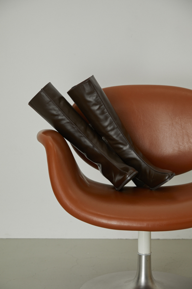 Noble leather long boots