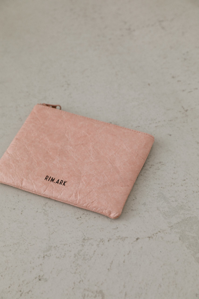 Paper like pouch