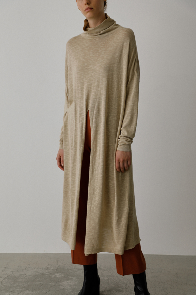 Center slit shear knit