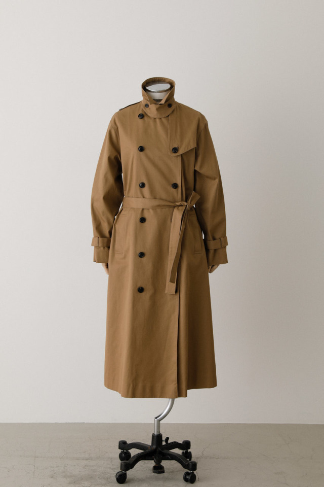 Back flap detail trench coat
