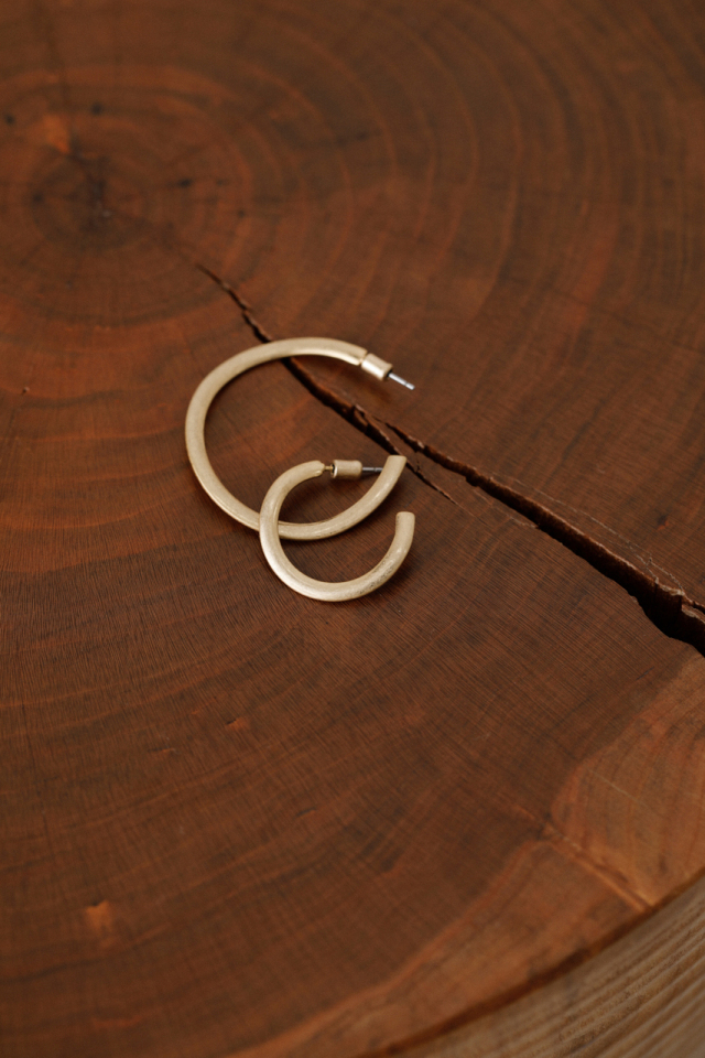 Asymmetry bent pierce