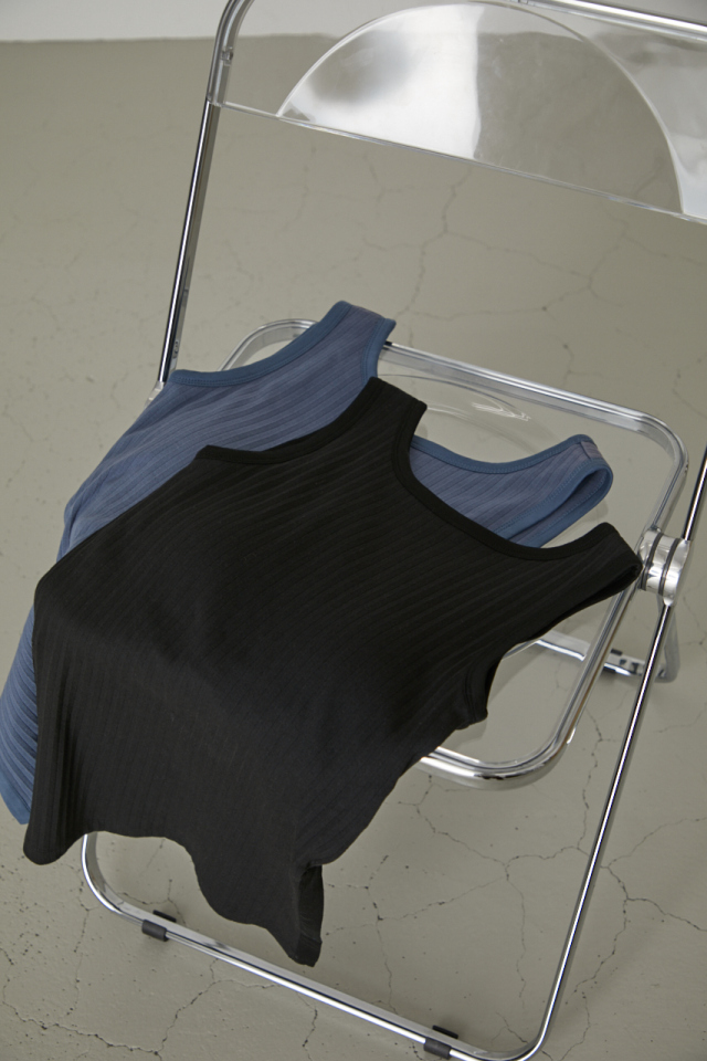 Back open pad in tank top