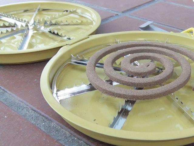 つりさげ式ブリキ皿せんこう皿