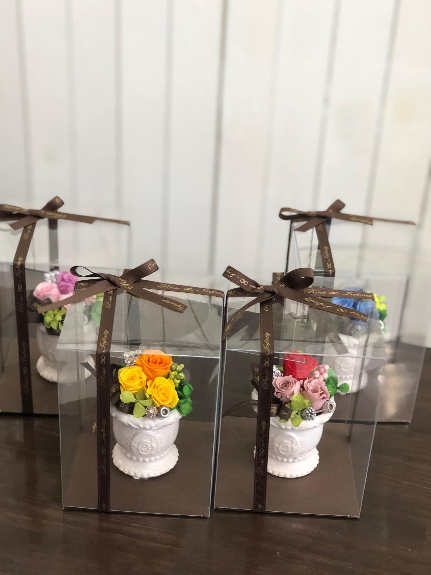 池袋プリザーブドフラワー専門店フラワーショップリズカ可愛いバラ柄の器プリザーブドフラワー