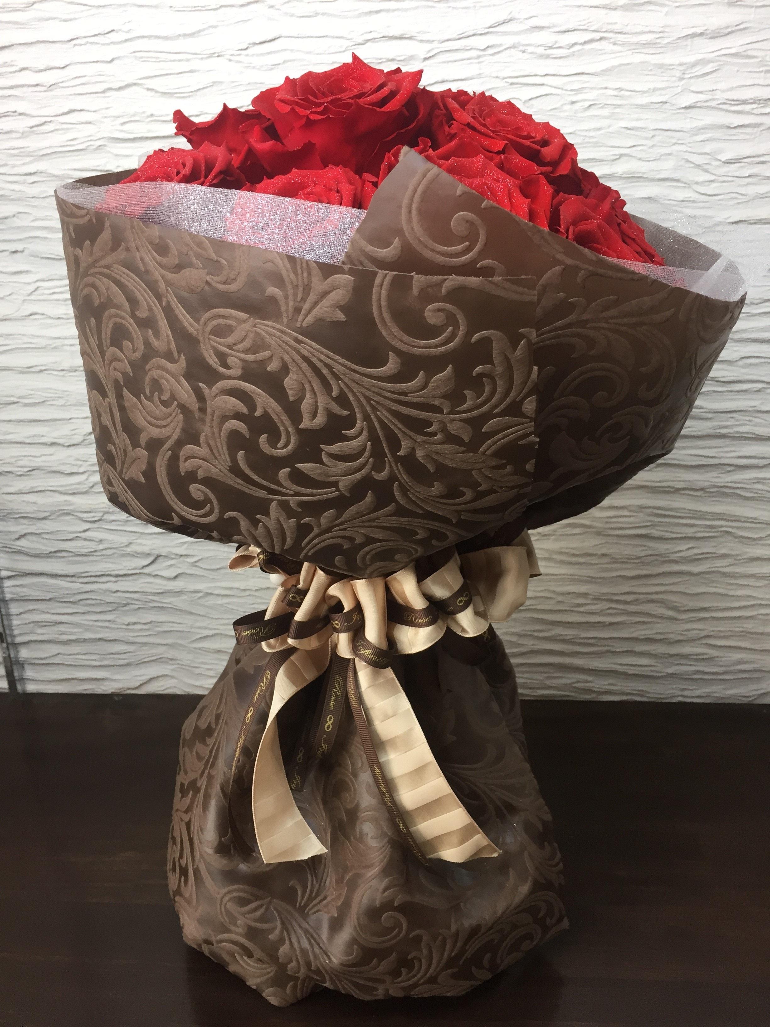 池袋 プリザーブドフラワー専門店 フラワーショップリズカのプリザーブドフラワーで作る花束 レッド