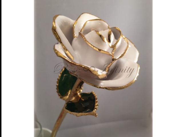 高級・特別なバラ フラワーギフト専門店 フラワーショップリズカ 24Kゴールドカラーローズ ホワイト