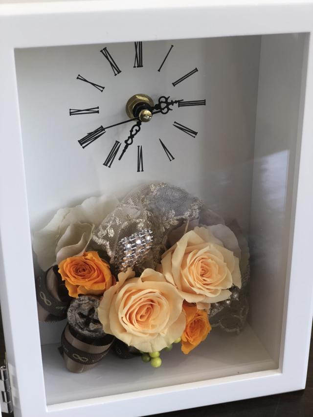 池袋 プリザーブドフラワー専門店 フラワーショップリズカ 時計付フォトフレームL プリザーブドフラワーオレンジ