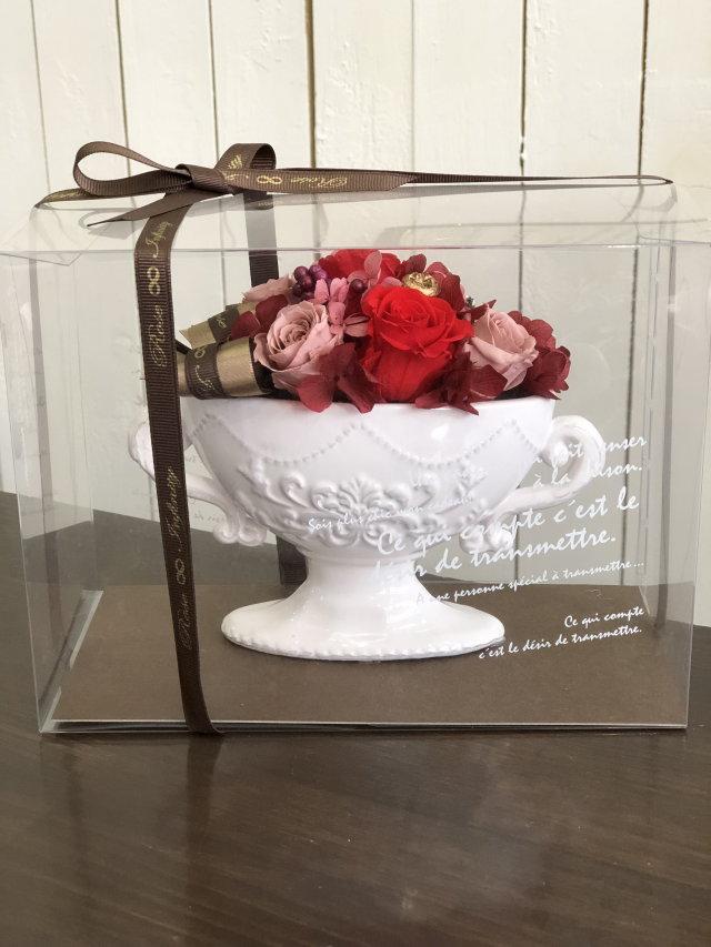 池袋 プリザーブドフラワー専門店 フラワーショップリズカ 手付きの可愛いオーバルプリザーブドフラワー レッド赤バラ